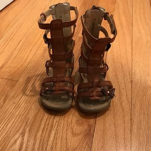 Toddler Gladiator Sandals like new size 6